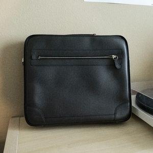 👀 LV Taiga Odessa Briefcase